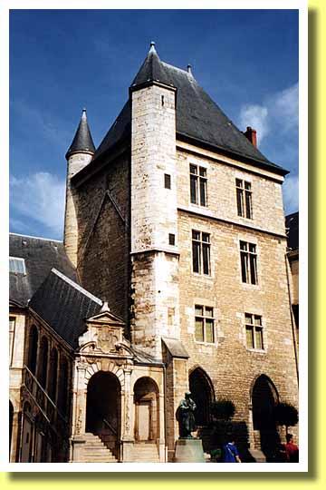 西暦1480年、ルネ・ダンジュー(ナポリ王にしてプロヴァンス伯)がエクサン・プロヴァンスで亡くなった。(フランス)